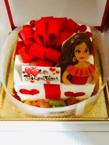 ロリアンのキャラクターケーキ(エレナ)は可愛くて美味しい!
