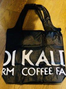 カルディのエコバッグはオシャレ!薄くてコンパクトに畳めて持ち運びに便利!