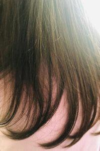子供の髪は痛みもなくサラサラだけど絡まりやすい