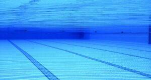 認可保育園に通う女の子に人気の習い事No. 1は水泳(プール)